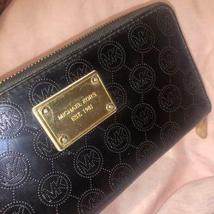 Michael Kors Wallet Patent Leather Black Gold